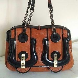 🎉 SALE 🎉 FENDI - B Bag